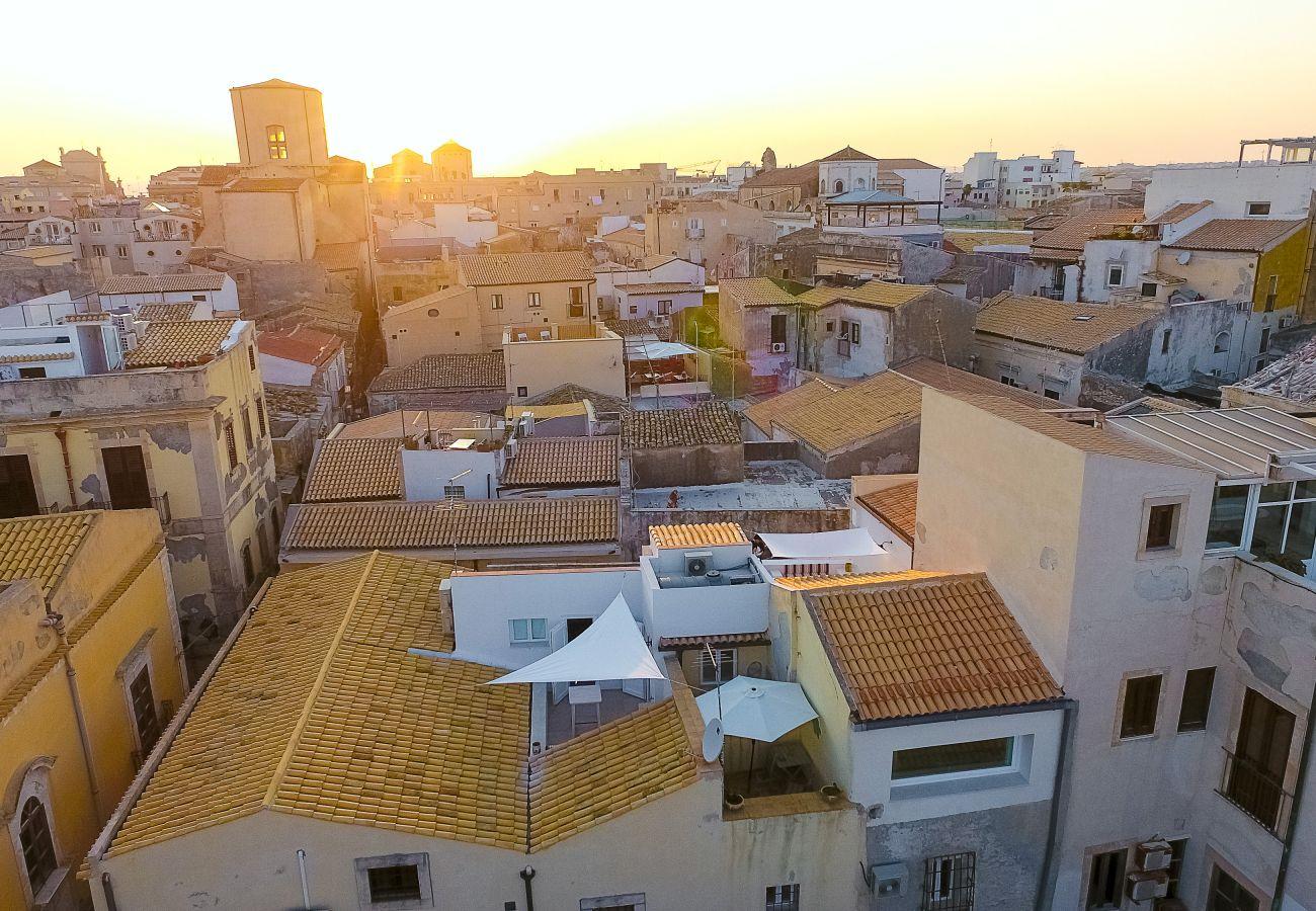 Appartamento a Siracusa -  Veronique apartments, terrazza sul  mare , by Dimore in Sicily