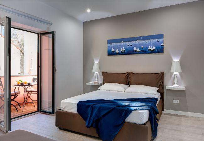 a Sorrento - Balconcino apartment in the heart of Sorrento Tasso square