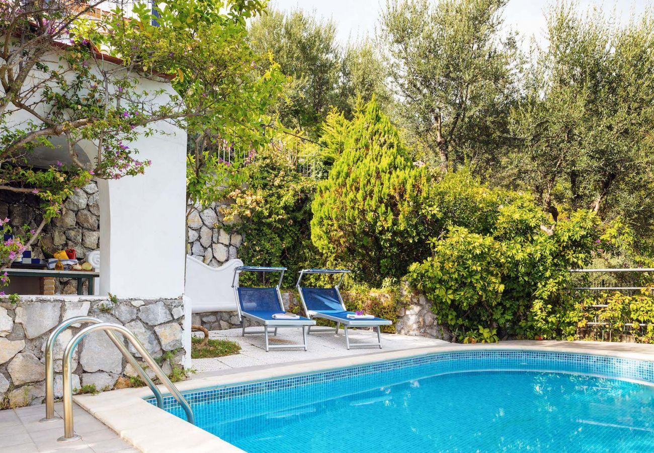 Villa a Massa Lubrense - Villa Marinella on the sea. Private pool, bbq, solarium and great sea views