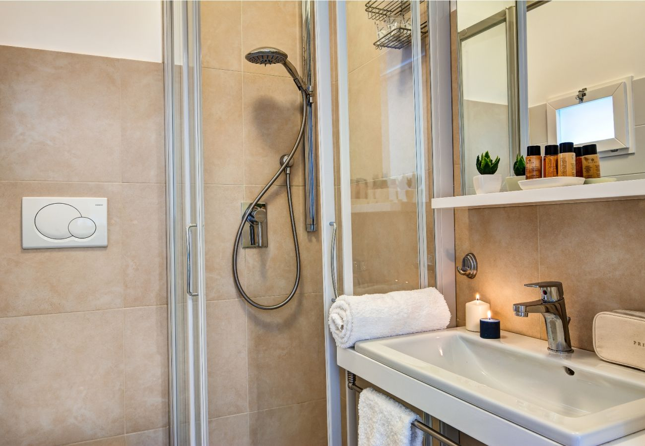 small bathroom with shower cabin, balconcino holiday apartment sorrento, italy
