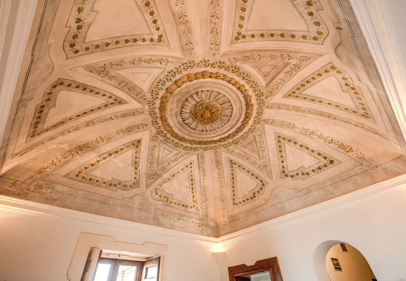 vaulted ceiling frescoes holiday home positano, casa marina