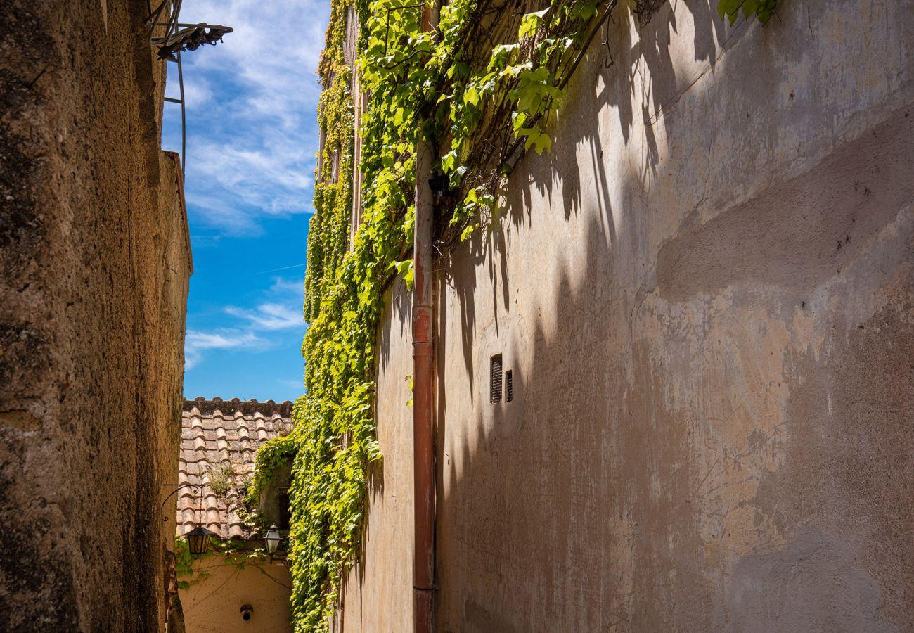 Villa in Positano - Casa Marina. Positano Historical Artists Retreat